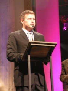 Wayne Haun Accepts 2004 Harmony Award for Producer of the Year