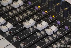 mixing desk from Leo